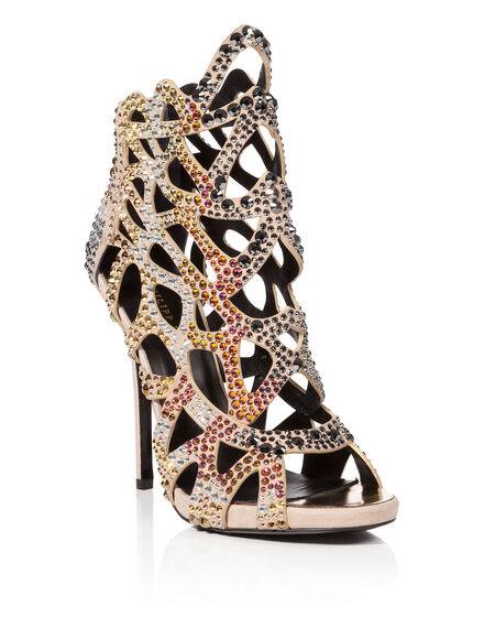 sandals borderline