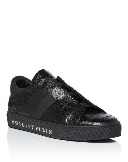Lo-Top Sneakers Graf