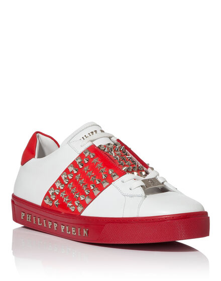 Lo-Top Sneakers Take