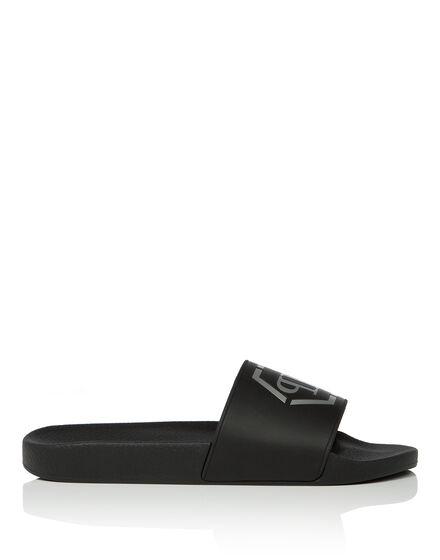 "Sandals Flat ""beach"""