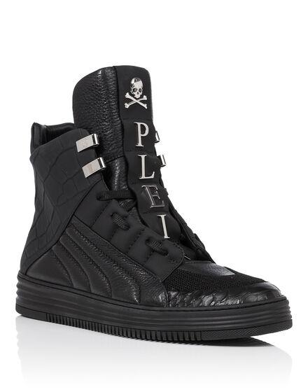 Hi-Top Sneakers Core