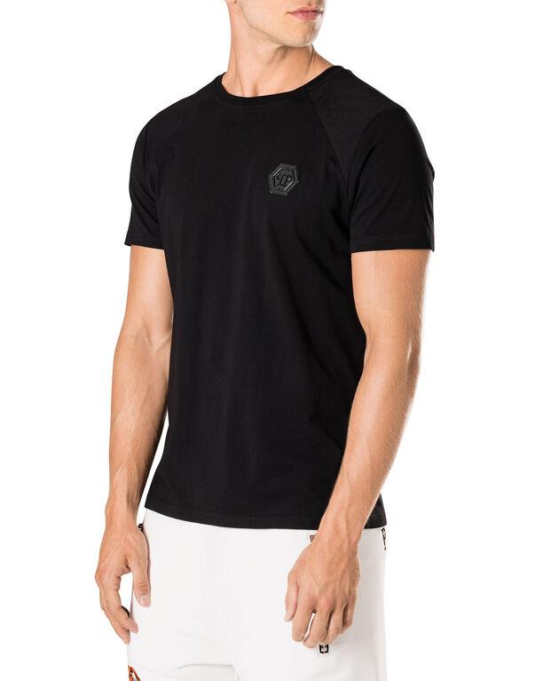 "T-shirt Round Neck SS ""Resident"""