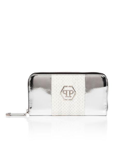 Continental wallet shine