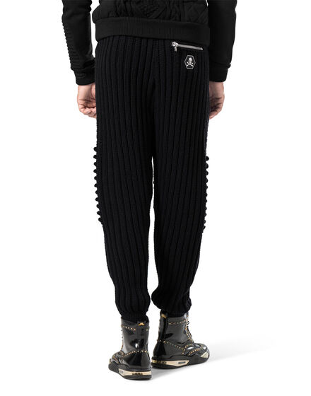 "jogging trousers ""not enough"""