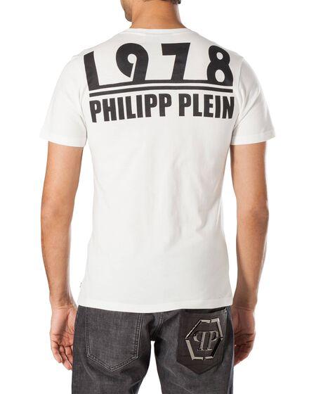 "T-shirt V-Neck SS ""Much"""