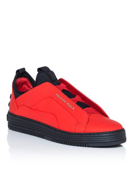Lo-Top Sneakers aspect
