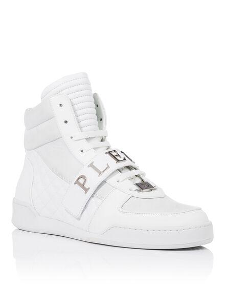 Hi-Top Sneakers Day