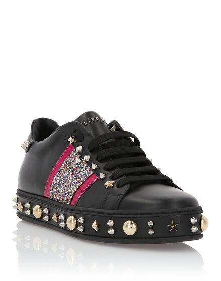 Lo-Top Sneakers Exclusive