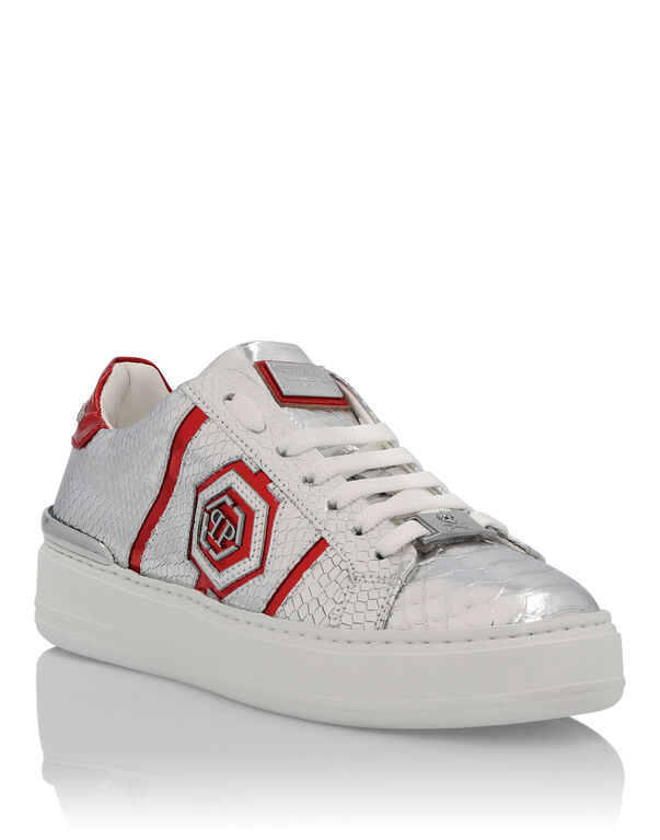 """Lo-Top Sneakers """"Only me"""""""