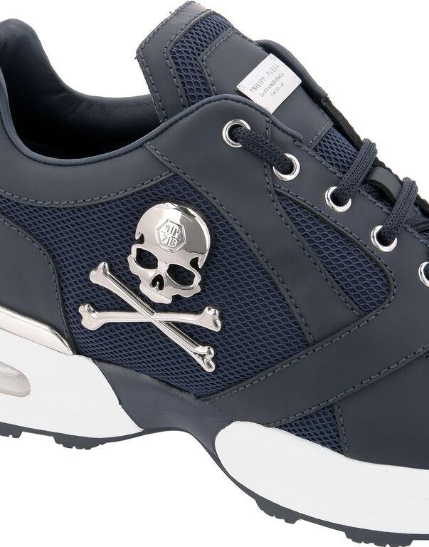 Runner Skull