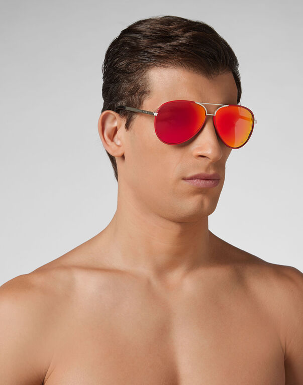 "Sunglasses ""become"""