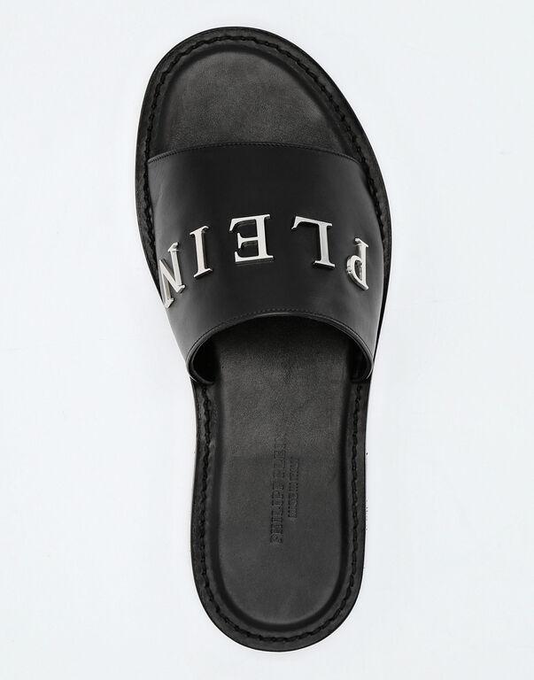 Sandals Flat Statement