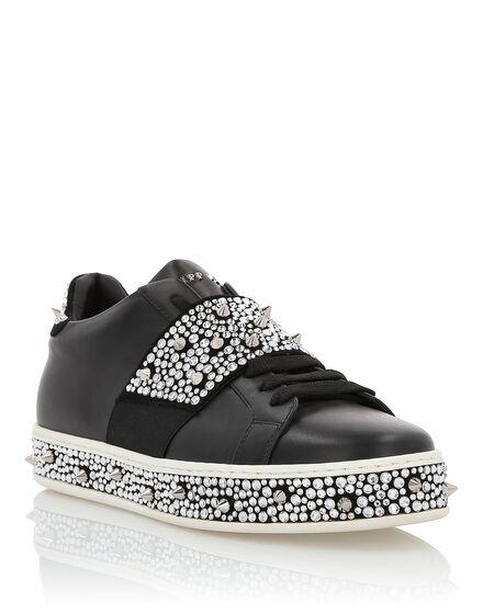 Lo-Top Sneakers Full of crystal