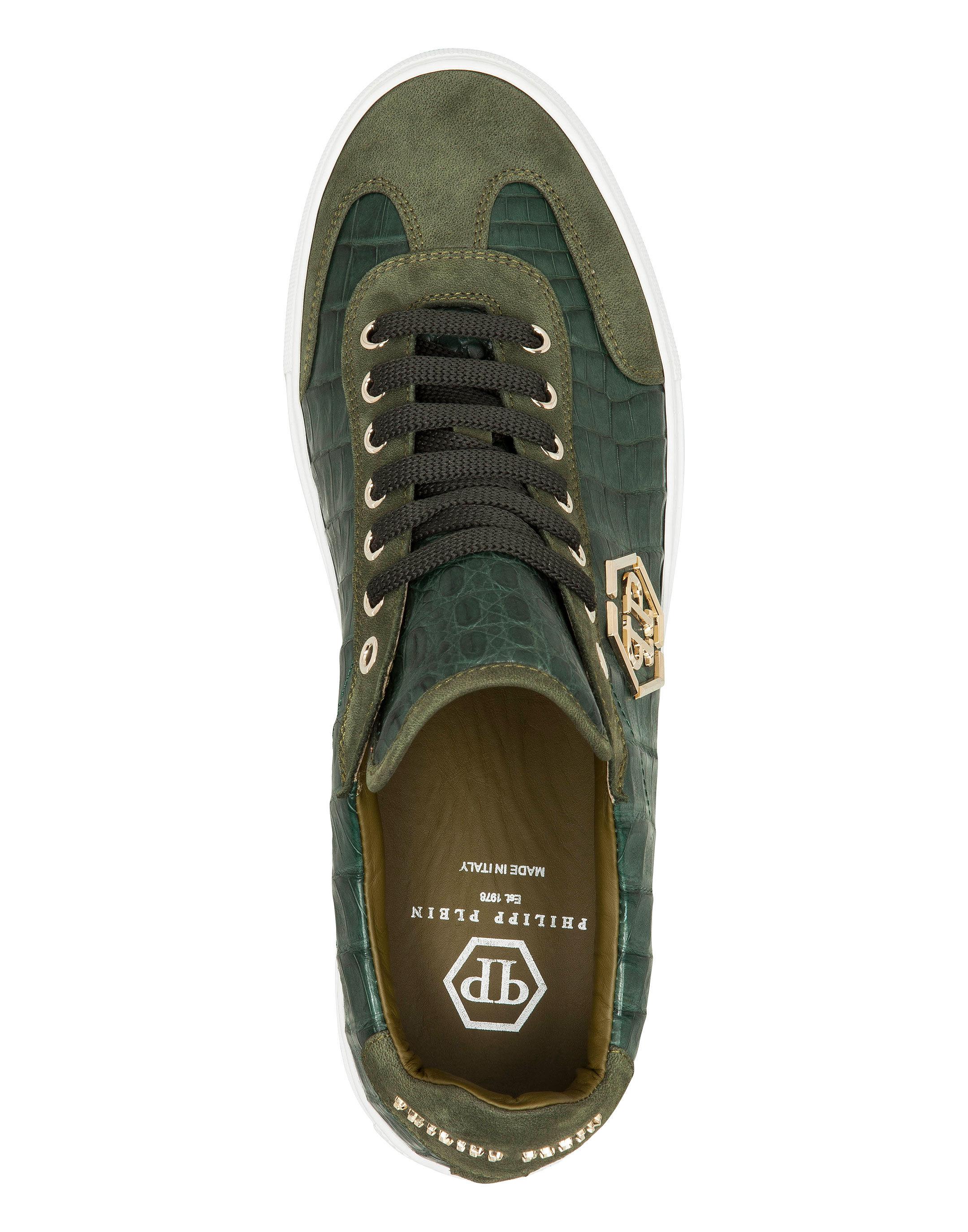 Lo-Top Sneakers \