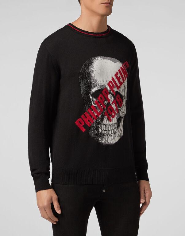 Pullover Round Neck LS Skull