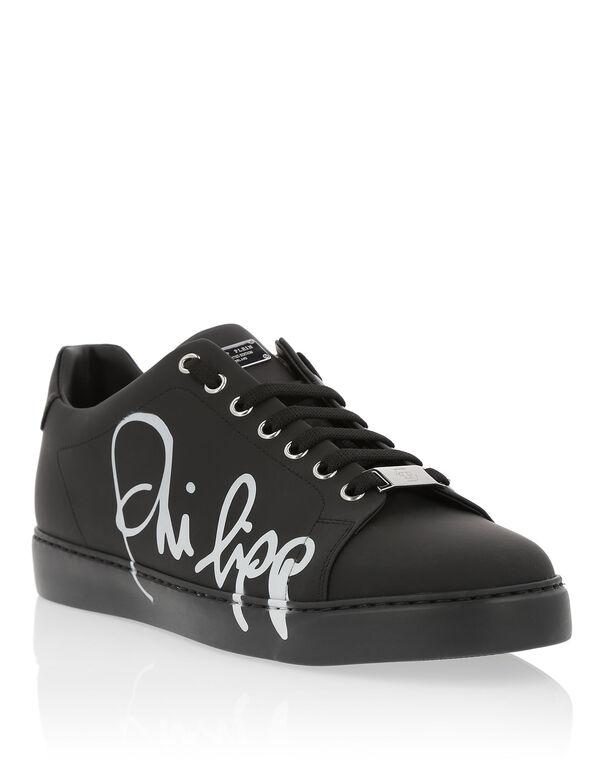 "Lo-Top Sneakers ""Signature"""