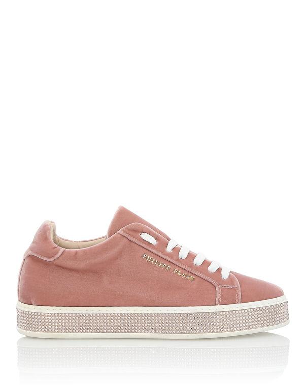 """Lo-Top Sneakers """"Hotfix"""""""