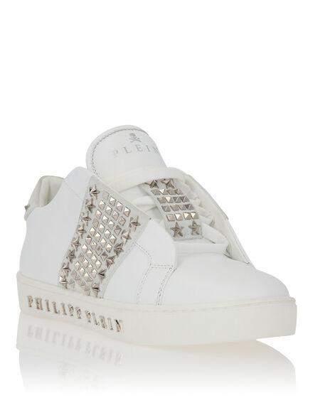 Lo-Top Sneakers Bryant