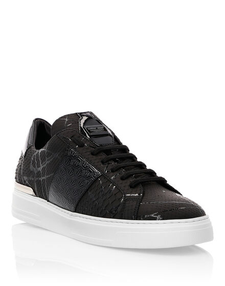 Lo-Top Sneakers Black one