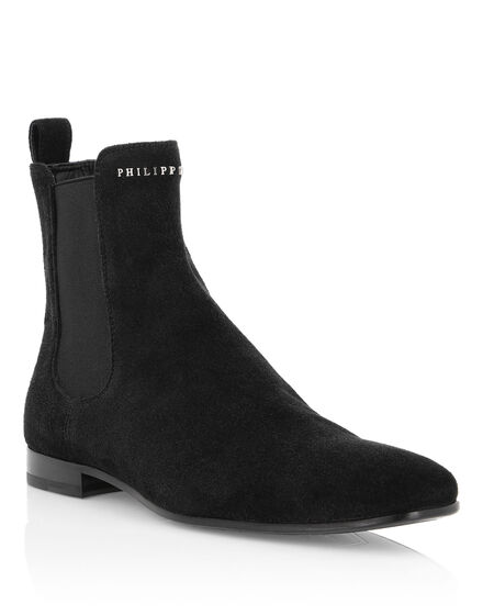 Boots Low Flat Statement