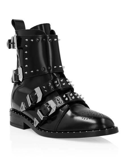 Boots Low Flat Jasmine Studs
