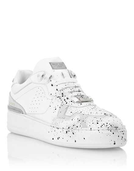 Leather Lo-Top Sneakers G.O.A.T. TM