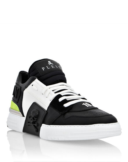 Mid-Top Sneakers PHANTOM KICK$