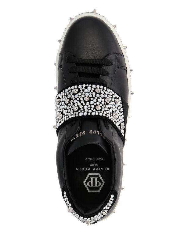 """Lo-Top Sneakers """"Full of crystal"""""""