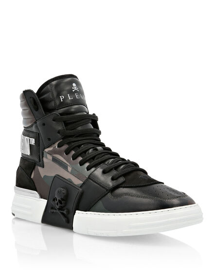 PHANTOM KICK$ Hi-Top Skull