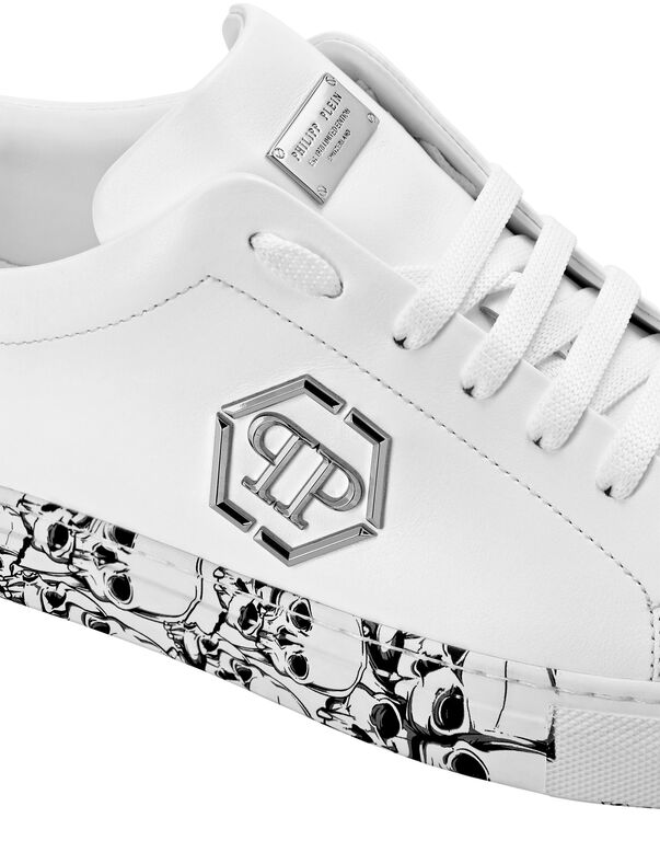 Lo-Top Sneakers hexagon and Skull