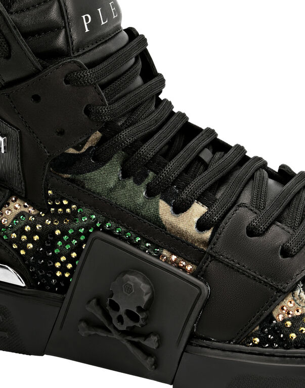 PHANTOM KICK$ Hi-Top Camouflage Skull