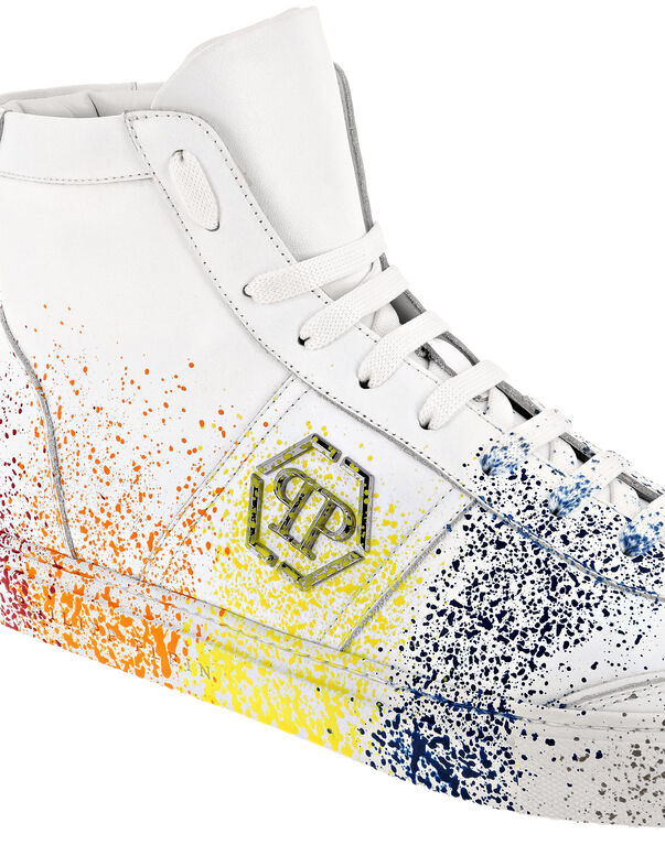 Hi-Top Sneakers Painted