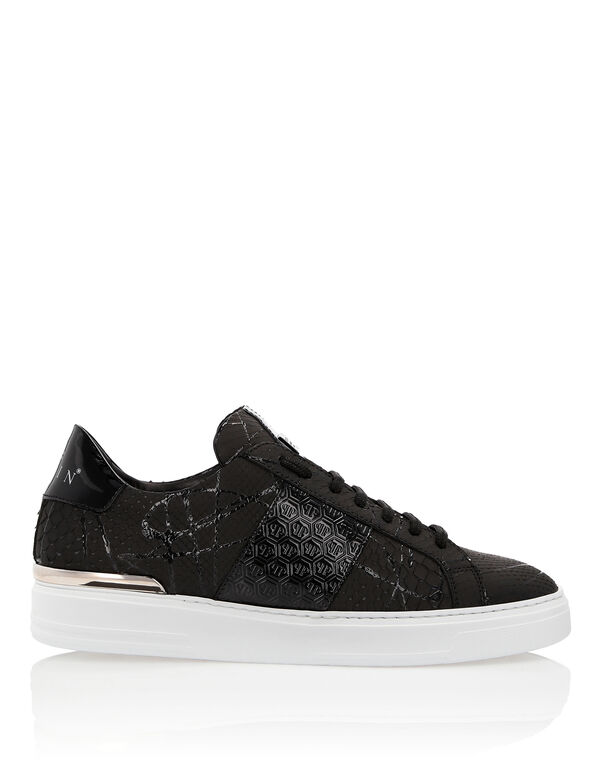 "Lo-Top Sneakers ""Black one"""