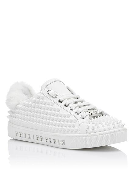 Lo-Top Sneakers My uniform