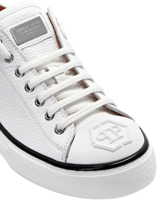 Leather Lo-Top Sneakers Megastar