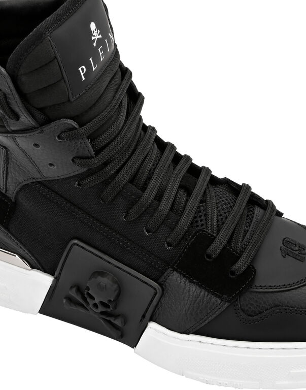 PHANTOM KICK$ Hi-Top Mixed Materials Skull