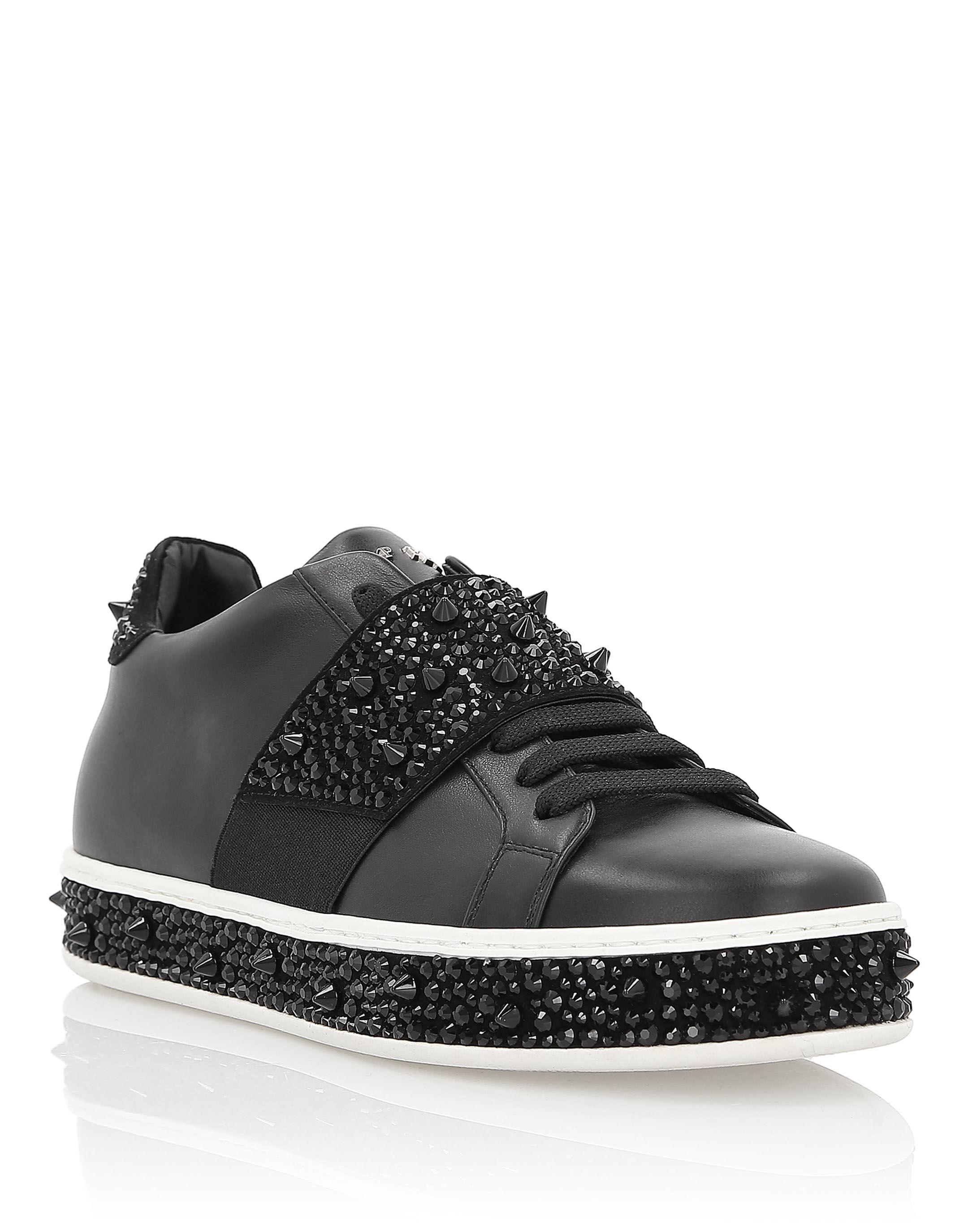 ... Lo-Top Sneakers Full of crystal