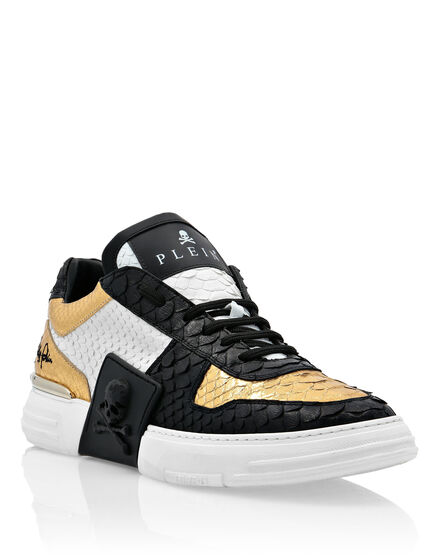 PHANTOM KICKS LO-TOP SNEAKERS GOLD