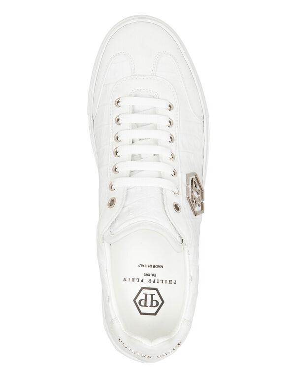 "Lo-Top Sneakers ""New era"""