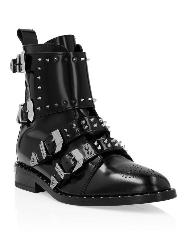 "Boots Low Flat ""Jasmine"" Studs"