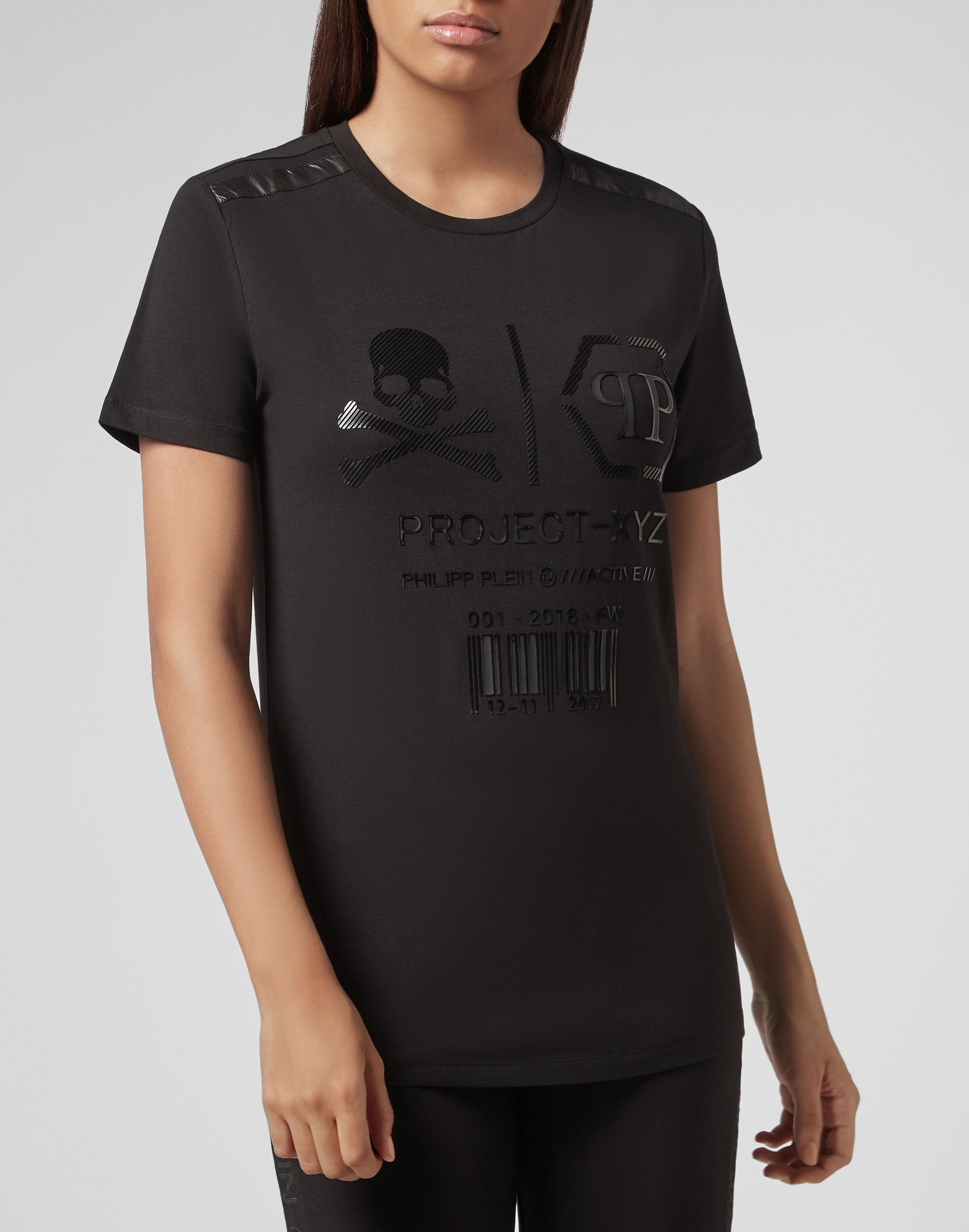 6699420f2 T-shirt Round Neck SS XYZ Skull and Plein | Philipp Plein